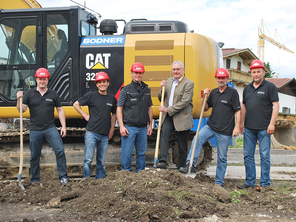 Groundbreaking of the new hall in Kössen