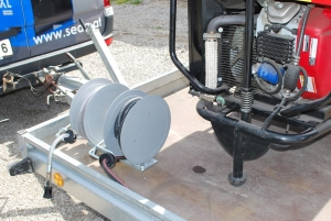 Fix-mounted hose reels