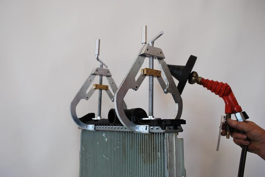 Kuehlerspannzwinge 4 min - SEDA RadiatorTensionClamps