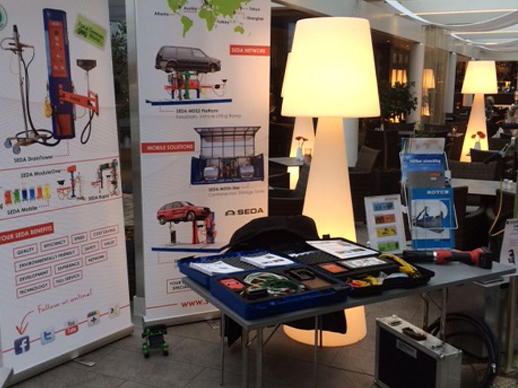 fan mark 2015 2 - Trade show duties for SEDA partner