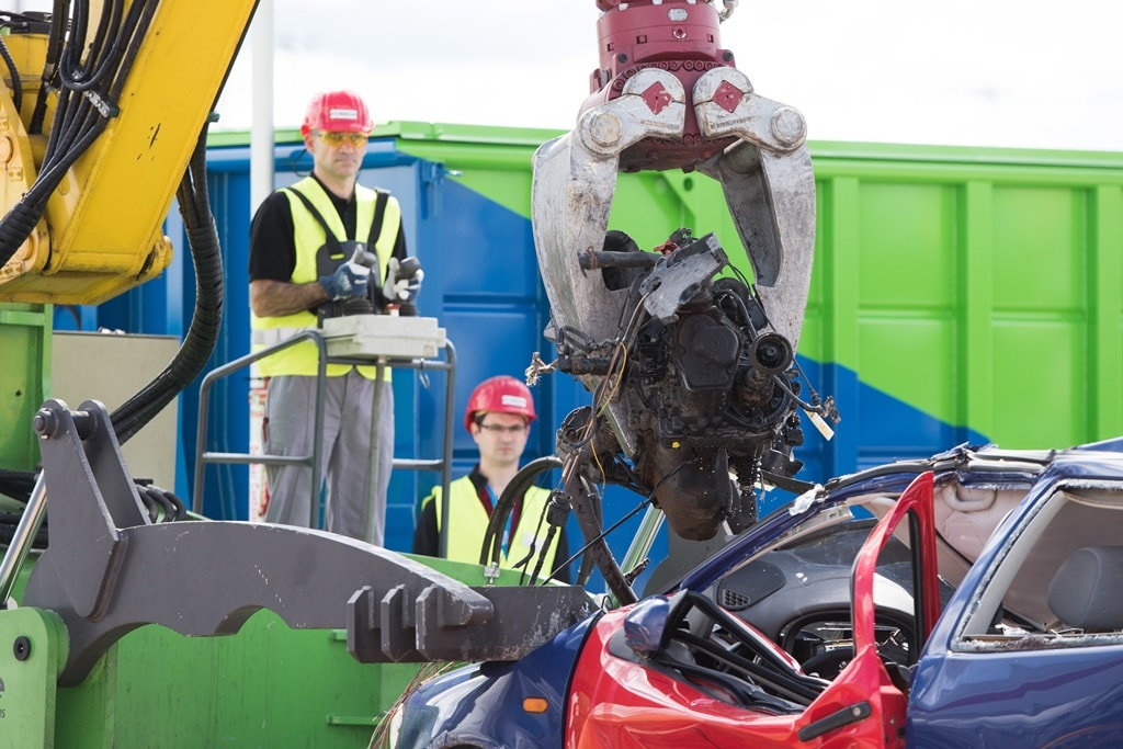 ifat2016 05 weiterverarbeitung 13 min - SEDA presented car recycling LIVE at IFAT 2016