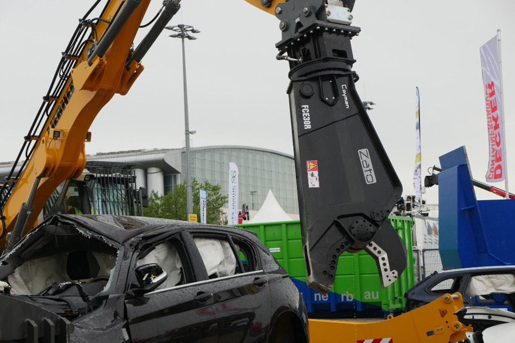 ifat2016 05 weiterverarbeitung 14 min - SEDA presented car recycling LIVE at IFAT 2016