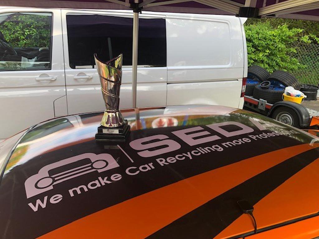 racecar2 - SEDA supports British race car driver Scott Noye