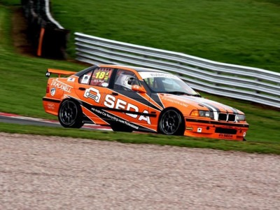 racecar beitragsbild - SEDA supports British race car driver Scott Noye