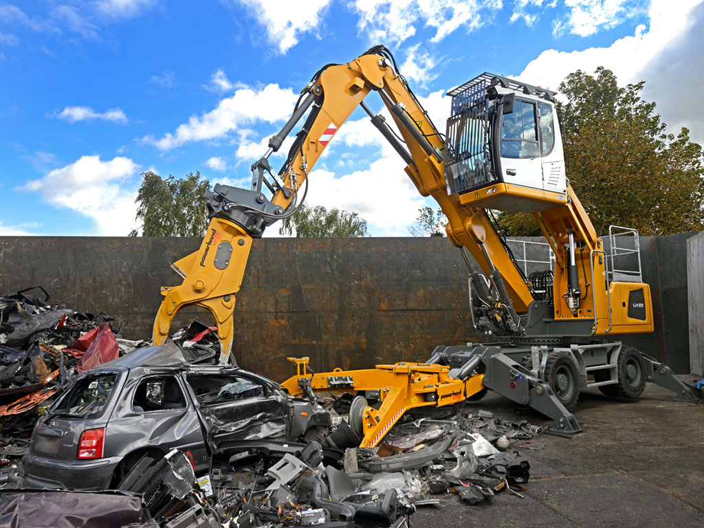 Liebherr Bagger - New Liebherr LH26 electric excavator with Powerhand VRS